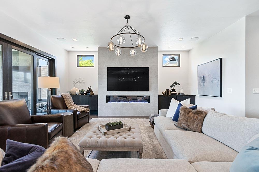 Pelican Landing Condos Livingroom
